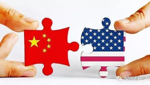 SUP桨板世界:当 中国红TRANS-E 遇到 美国蓝STARBOARD